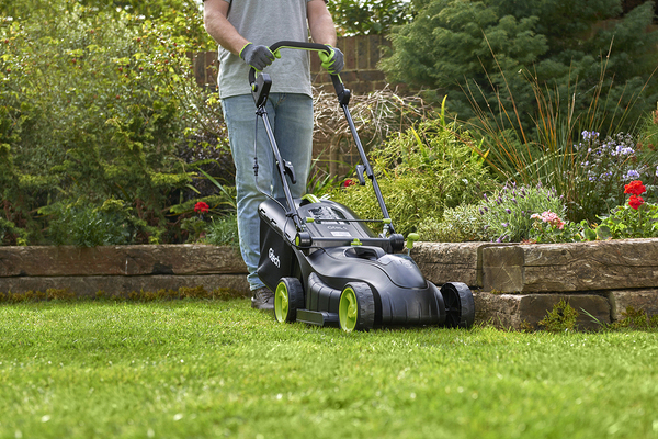 lawncare tips with our cordless garden tools