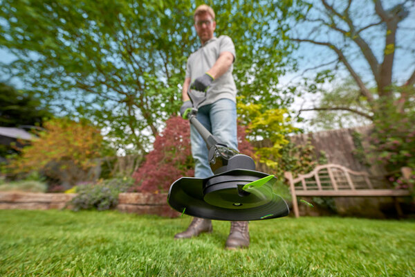 spring gardening tips with your cordless garden tools