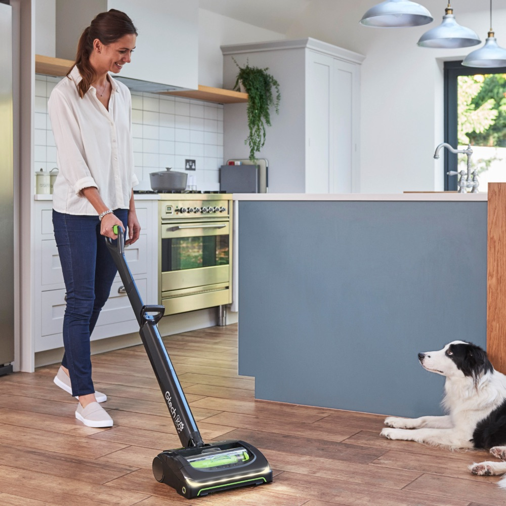 AirRam K9 cordless vacuum cleaner on wooden floor