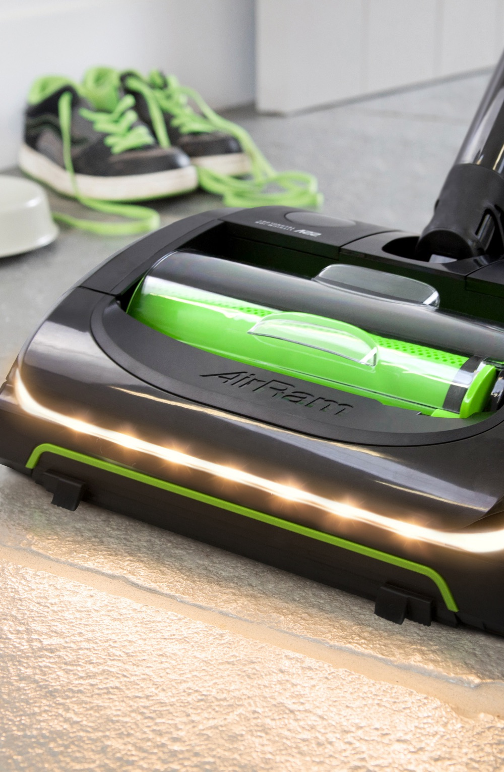 AirRam K9 cordless vacuum cleaner on carpet