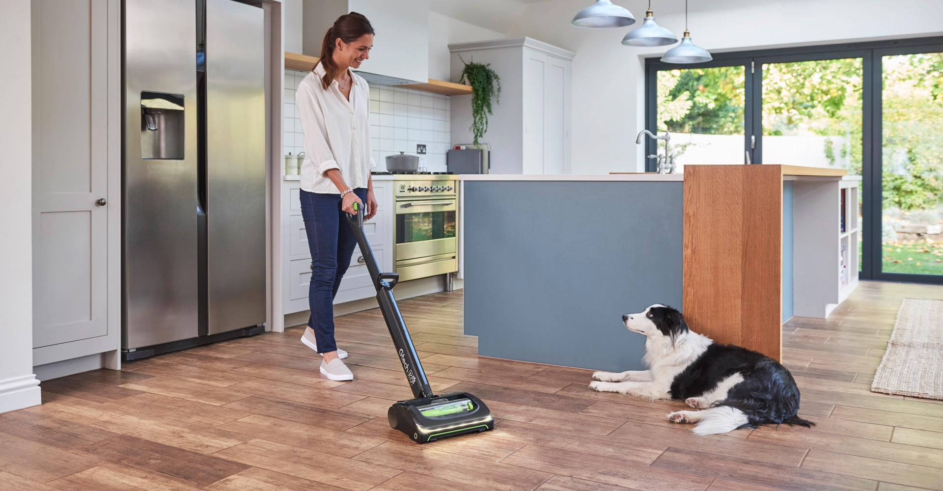 AirRam K9 cordless vacuum cleaner powered brush head