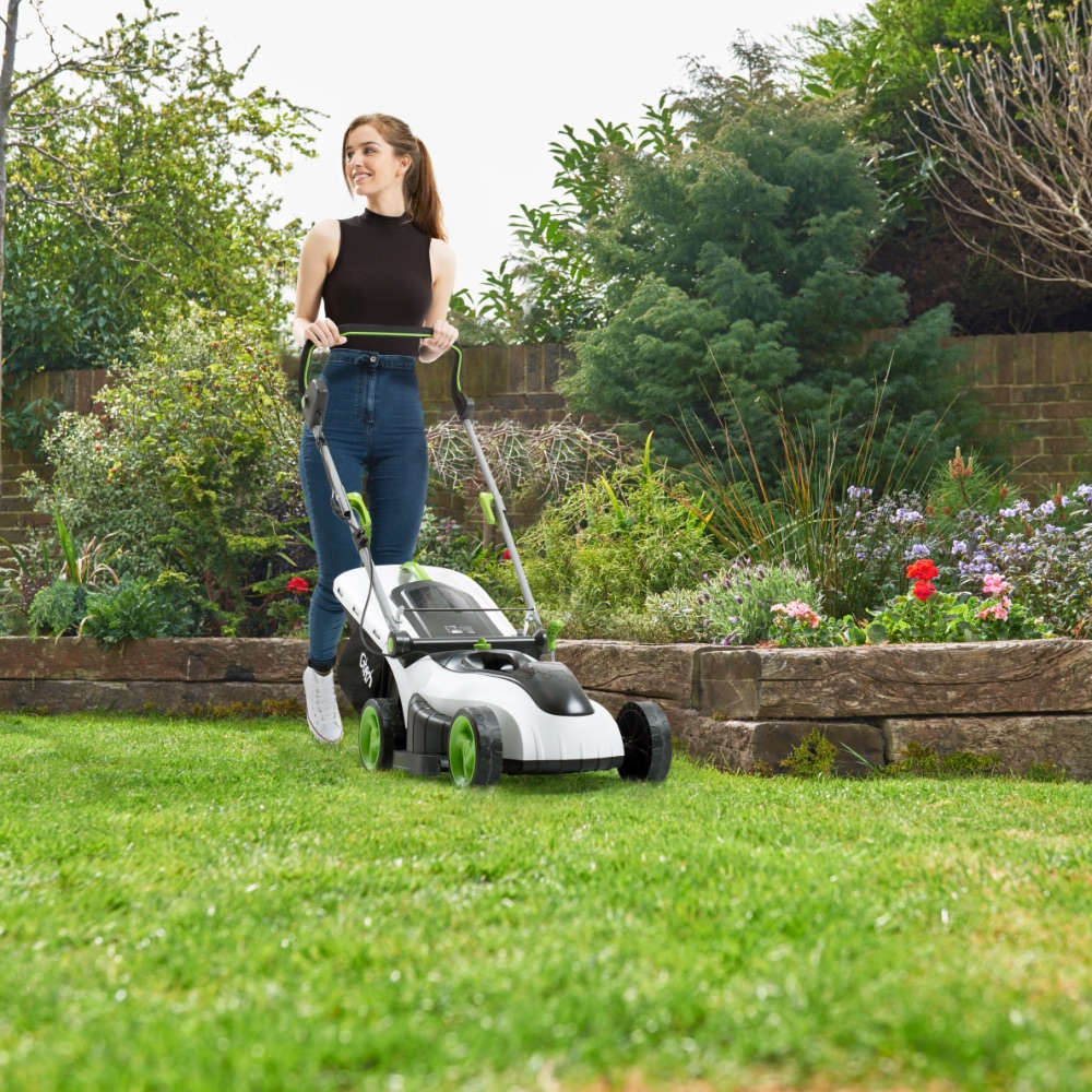 Battery powered mower from behind