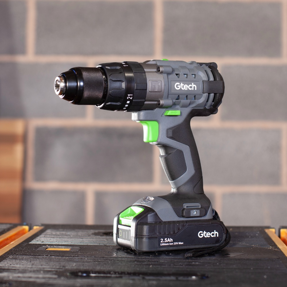 Battery powered combi drill