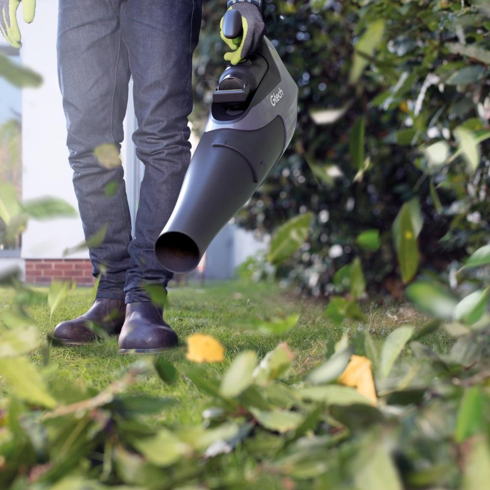 Cordless leafblower