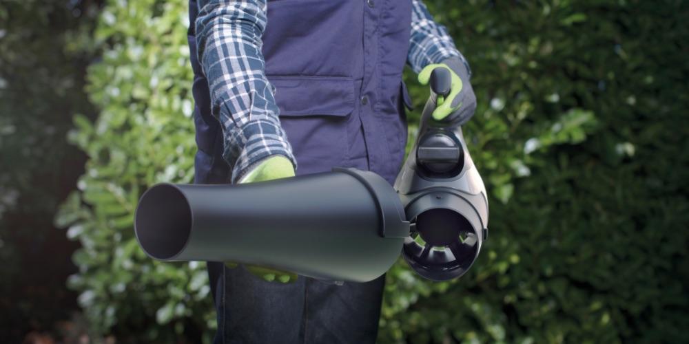 Cordless leafblower nozzle