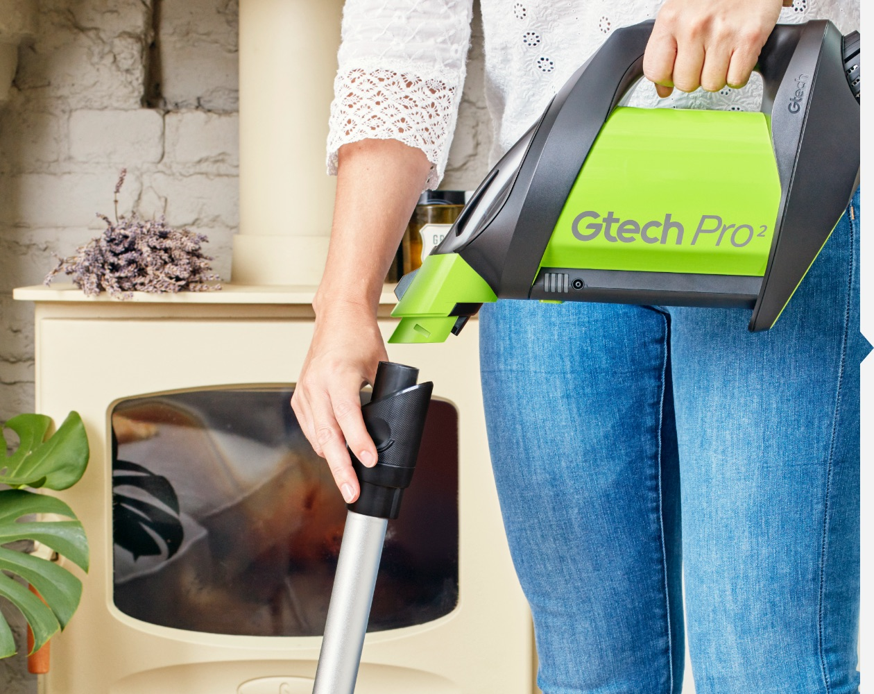 Pro 2 vacuum cleaner with bags