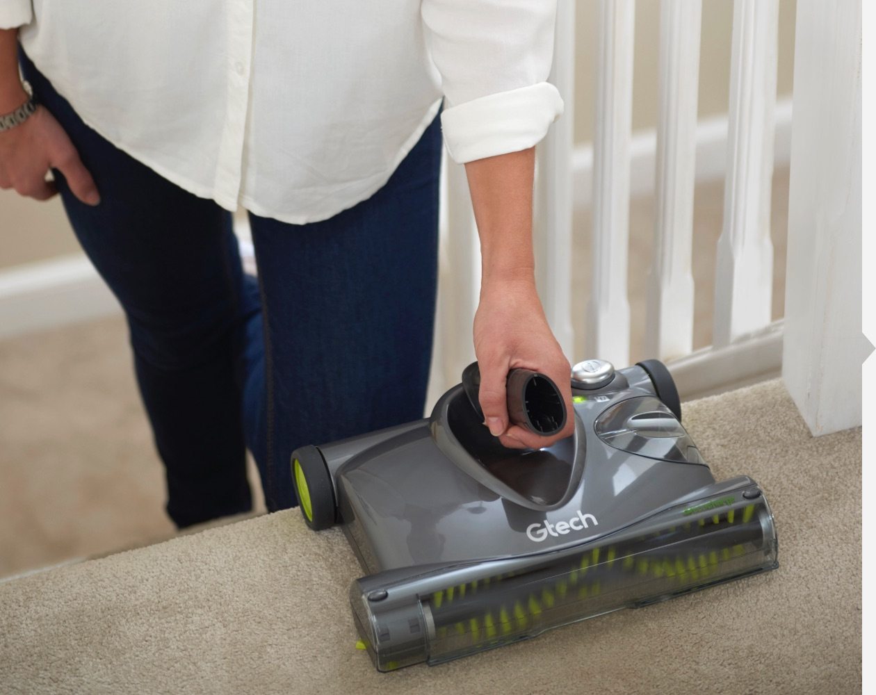 SW22 lithium carpet sweeper stair cleaning